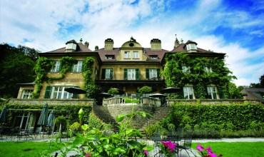 Außenansicht Schlosshotel Lerbach