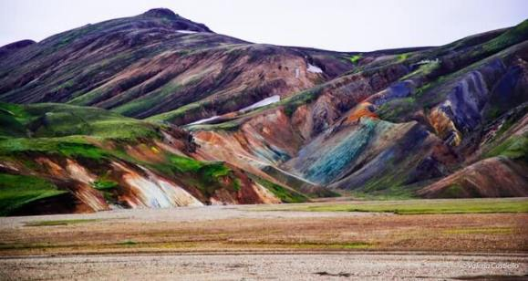 Landmannalaugar - Mountains multi color - friend in iceland