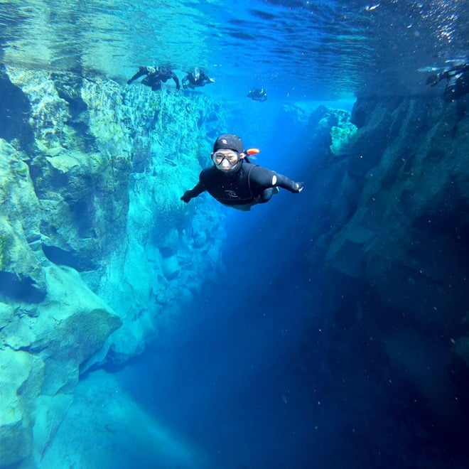 Snorkeling and caving friend in iceland 1