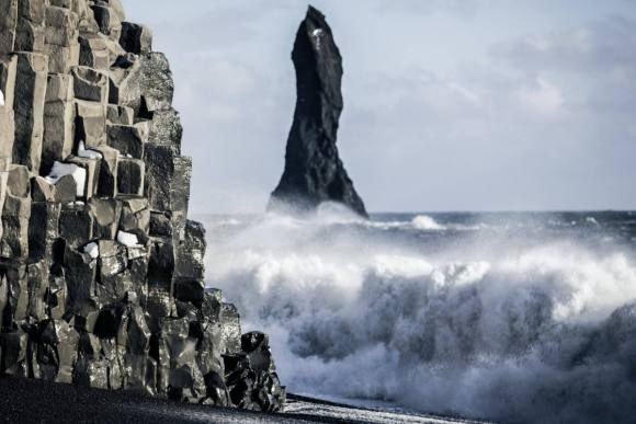 3 days, South Coast, Golden Circle & Northern Lights - reynisfjara-ocean - friend in iceland