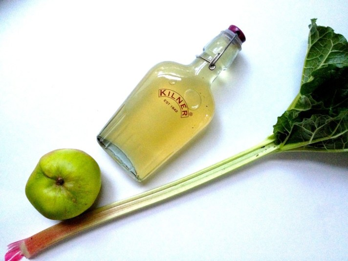 Apple & Rhubarb Elderflower Cordial recipie