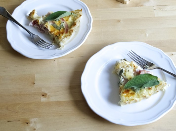 Apple and cheddar quiche with hash-brown crust