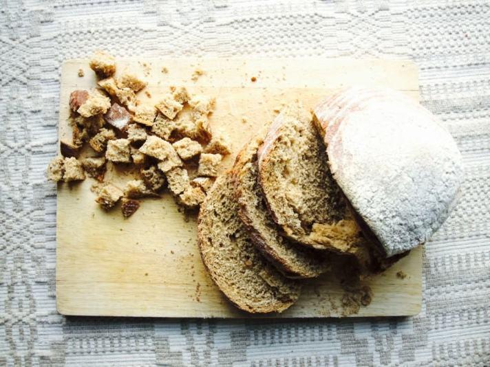 Rye garlic bread and bean salad recipe