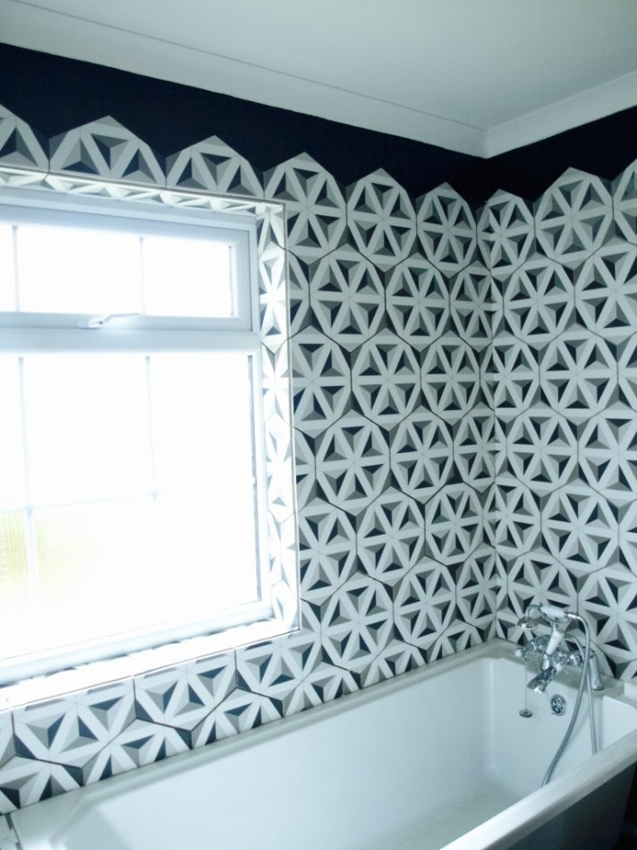 How we tiled the bathroom with hexagon tiles