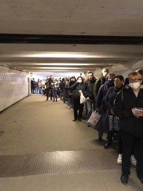 Metro queue 15 Apr 2020