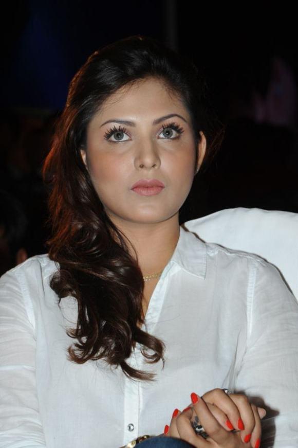 Madhu Shalini (3)