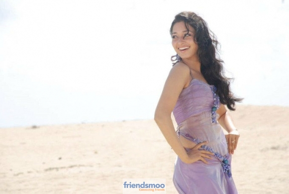 Tamannah-Friendsmoo (5)
