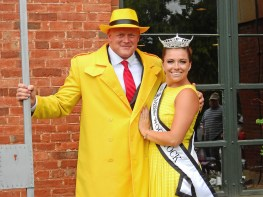 Dick Tracy and Miss Woodstock
