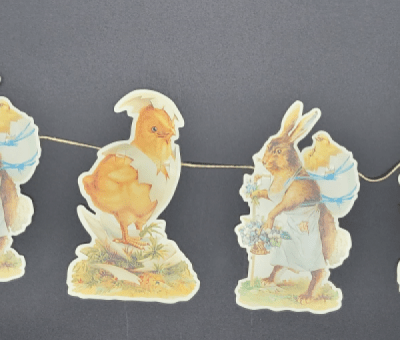 Easter garland with rabbits and chicks