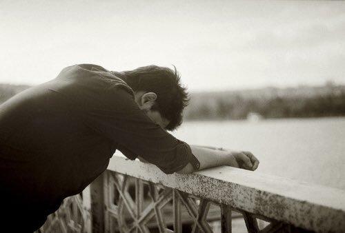 كلام حزين فيس بوك منشورات حزينة للفيس الاصدقاء