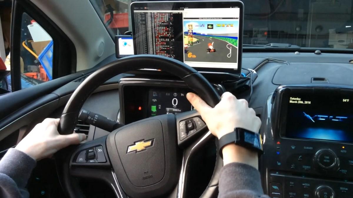 Modifican un carro para usarlo como control de Mario Kart 64