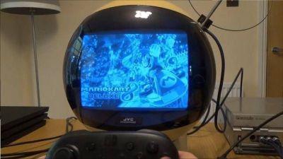 mira-se-ven-los-juegos-actuales-la-television-retro-mas-rara-del-mundo-frikigamers.com