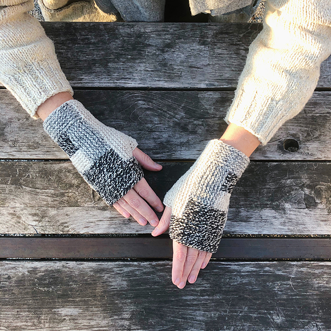 Log Cabin Mitts (free knitting pattern)