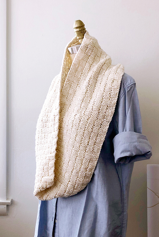Double Basketweave Cowl (free pattern)