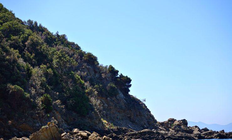 Trekking in Toscana vista mare da Cala Moresca al Golfo di Baratti
