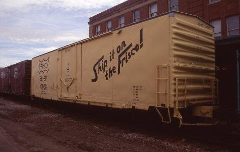 Boxcar 10085 at Lincoln, Nebraska on September 20, 1997 (R.R. Taylor)