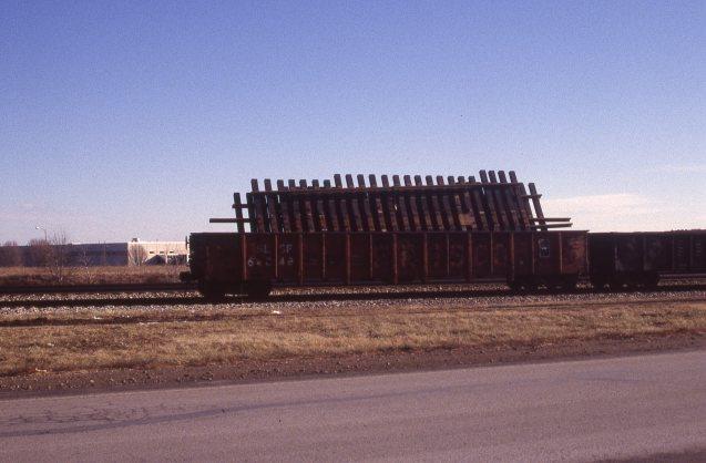 Gondola 64048 at Lenexa, Kansas on January 17, 1998 (R.R. Taylor)