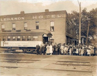Traveling Trachoma Clinic at Lebanon, Missouri (date unknown)