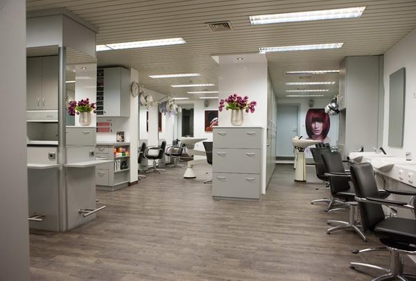 Salon  Friseur Bhmer