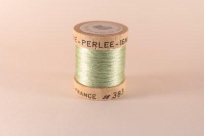Fil de soie perlée vert tendre 383