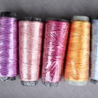 Fils polyester variations de tons dégradés multicolores