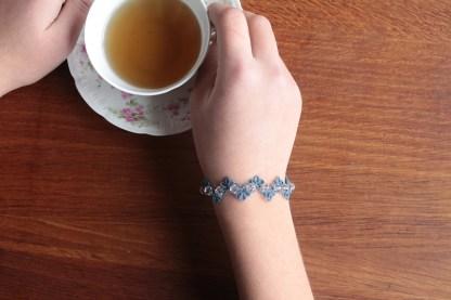 Bracelet demi-fleur