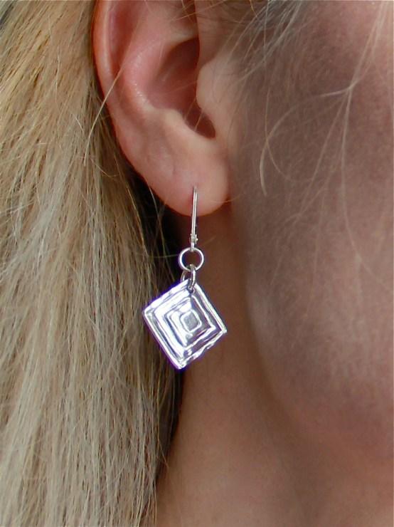 triangle_earrings3