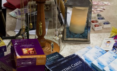 Healing, Crystals & Angel Cards