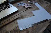 Klip 5 stykker papir der måler 6x15 cm.