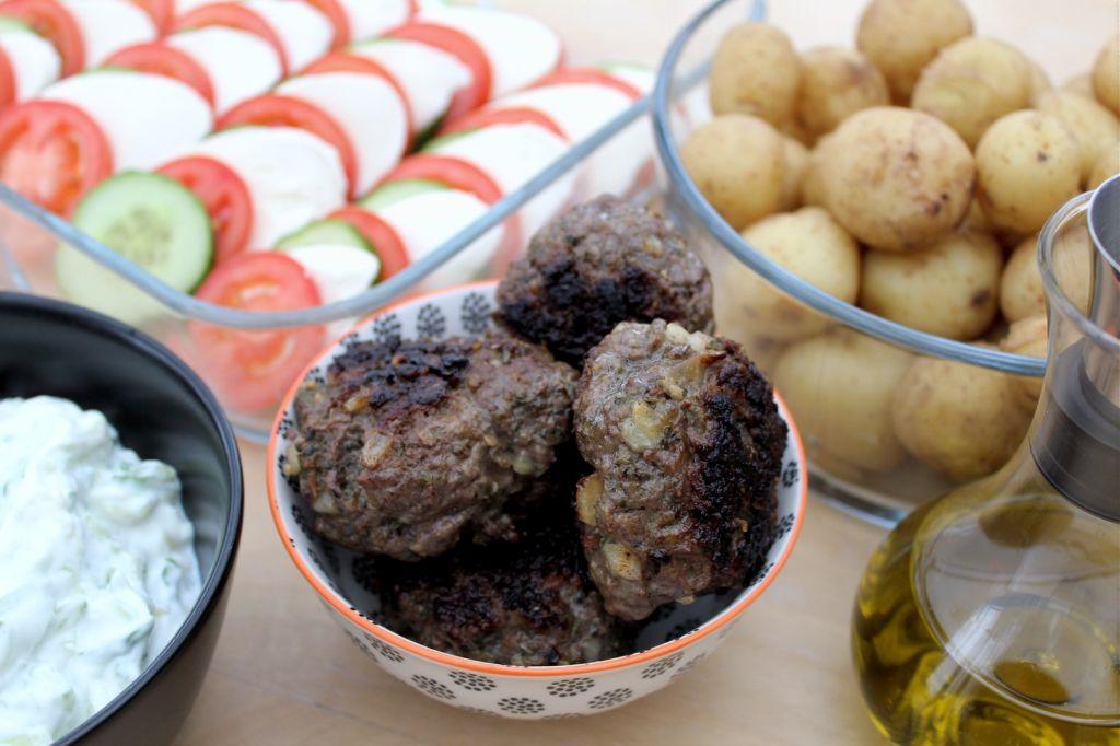 Græske bøffer med tzatziki