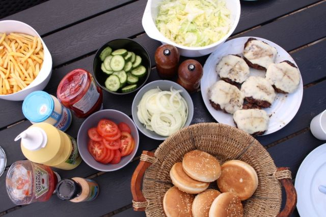 hjemmelavede-burgere, grill, foraar