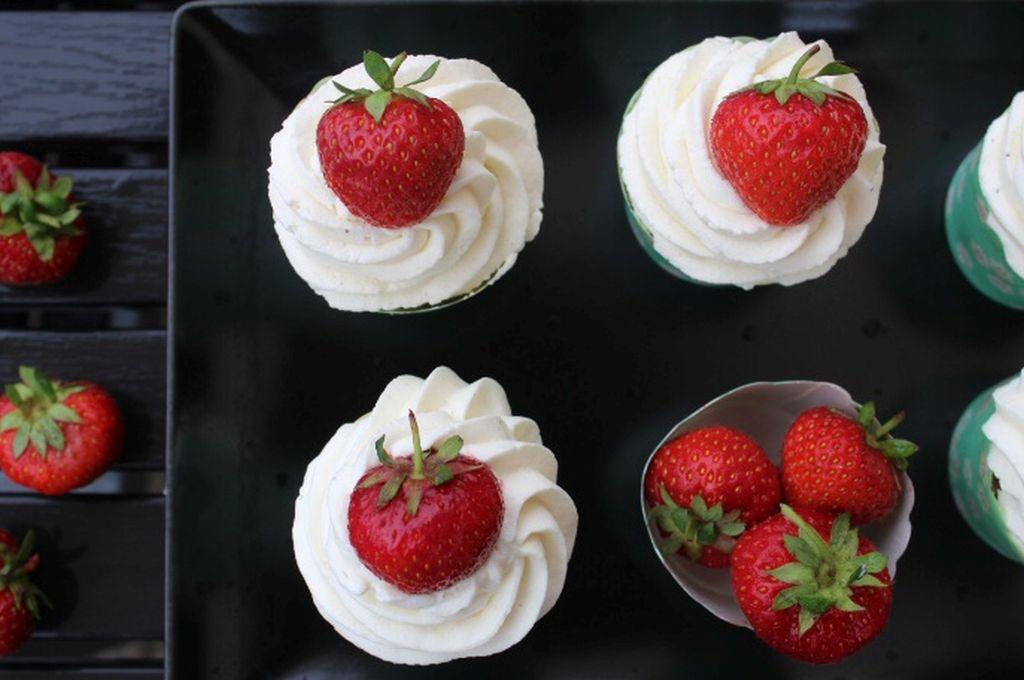 Jordbær cupcakes med mascarpone frosting
