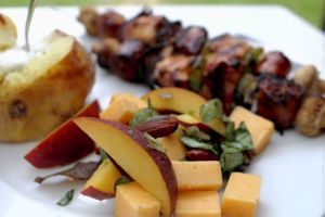 salte-mandler, cheddarost, nektariner, mandler, napolitan-salat, salat, opskrift, sund, fedtfattig, salt