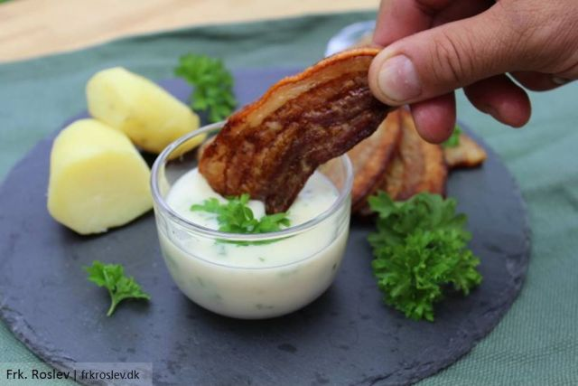 stegt-flaesk-ovn, stegt-flaesk, persillesovs, kartofler, opskrift