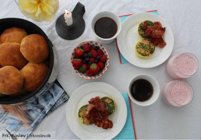 aeggemuffins, spinat, opskrift, morgenmad, brunch, bacon, poelser