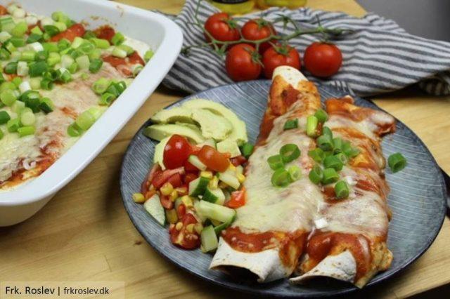 enchiladas, opskrift, tomatsalat, enchiladas-sauce, aftensmad