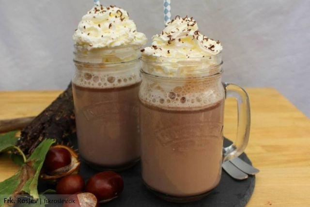 varm-chokolade, varm-kakao, opskrift, efteraar, vinter, jul, varm-chokolade-karamel