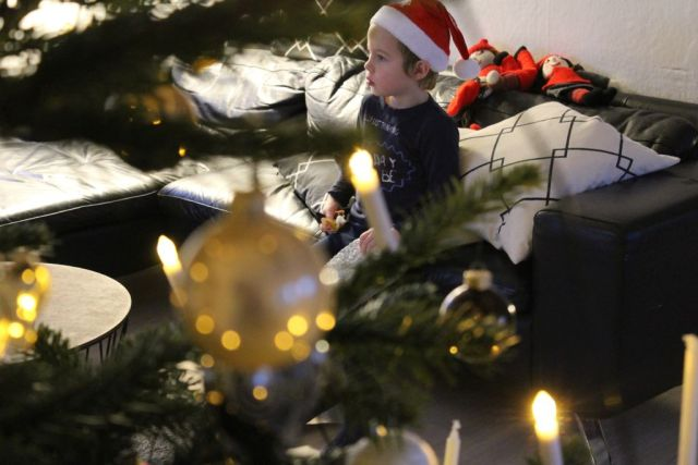 - En sød lille nisse - ventetiden juleaftensdag var lang:-) -