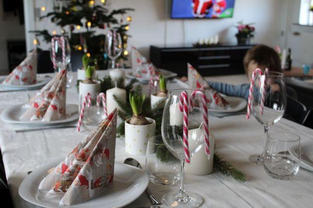 - Årets julebord - fyldt med gran, lys og hyacinter -