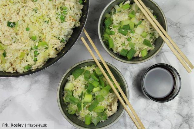 stegte-ris-kylling, khao-phat-gai, aftensmad, fedtfattig-aftensmad, thai-mad
