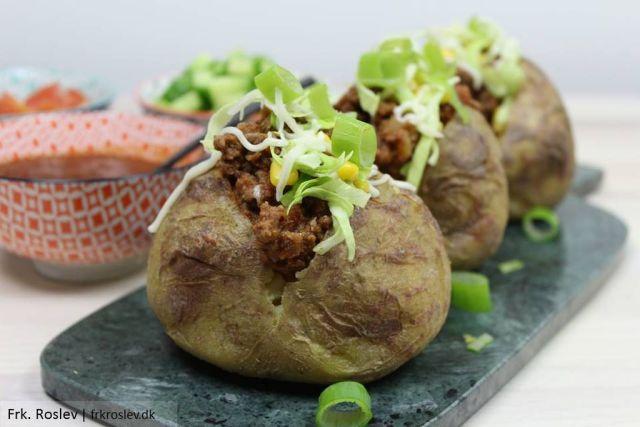 taco-kartofler, aftensmad, nem-aftensmad, aftensmad-opskrift, bagekartofler, fyldte-kartofler