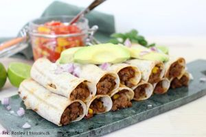 taquitos, mexicansk-mad, mexicansk-opskrift, aftensmad, boernevenlig-aftensmad, boernevenlig, ovnbagte-taquitos, hakket-oksekoed