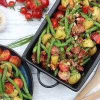Bønnesalat med kartofler og bacon