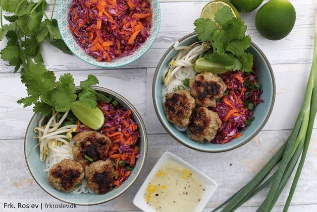 Bun cha, bun-cha, vietnamesisk mad, kødboller, nudler