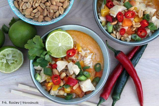 thai-kylling, kylling-i-rød-karry, thaimad