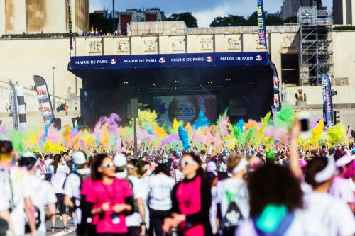 manche à air publicitaire sephora pour la color run paris 2016