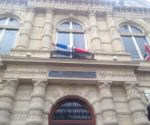 mairie-paris-crayon-gonflable-memorial-charlie27.jpg