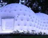 Tente igloo gonflable géante.jpg