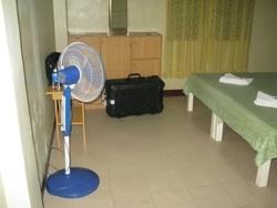 内装と扇風機
