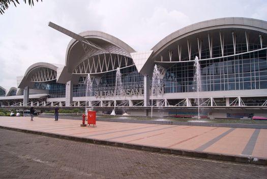 マカッサルのハサヌディン空港